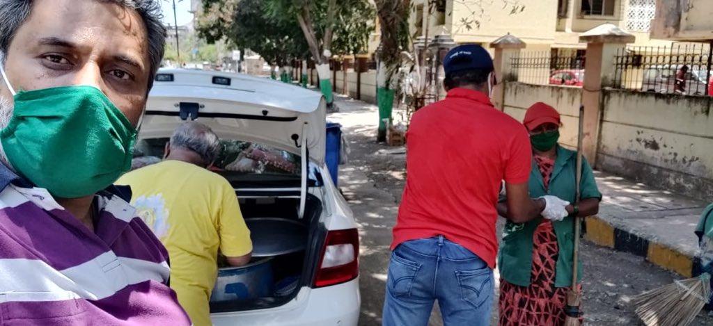 Great efforts by Shri ARVIND Rai President of Virat Hindustan Sangam Palghar Dist @vhsindia @vhsmaha in distributing Meals for Poor at VIrar in Maharashtra विरार में विराट हिन्दुस्थान संगम संस्था द्वारा गरीब व जरुरत मंदों को बां... youtu.be/Fz8rSTT18_I via @YouTube