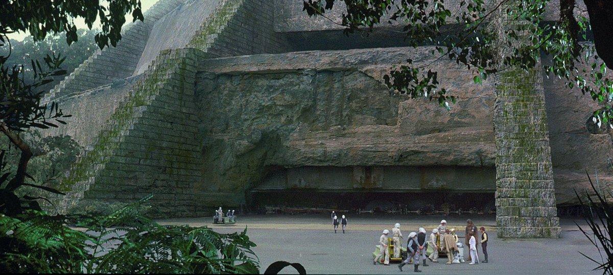STAR WARS: EPISODE IV - A NEW HOPE | Director: George Lucas | DoP: Gilbert Taylor <br>http://pic.twitter.com/vPZTX61eDc