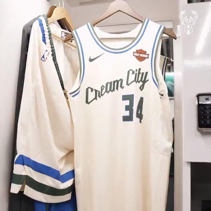 For the city.  #BucksSeasonRewind | Game 20 https://t.co/fvN4y1hMqB