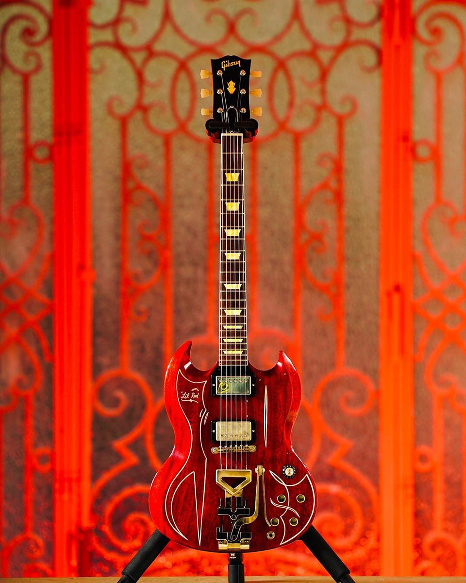 "Billy Gibbons' Owned Prototype ""Lil Red"" Gibson SG #guitar  #ZZToppic.twitter.com/p05tn7NRl3"