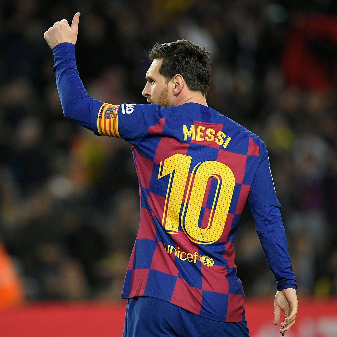 """Ex-Inter director Marco Branca on trying to sign Messi in 2008: """"We moved for him but Leo didnt want to leave Barca. He was very grateful to the club. Money doesnt always come first. """"He's everyone's dream but he will not leave Barcelona. He's the greatest player of all."""" 🐐"""