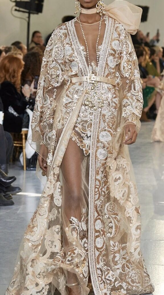 Elie saab revisit traditional caftan (Fw19)<br>http://pic.twitter.com/m5688hXRis