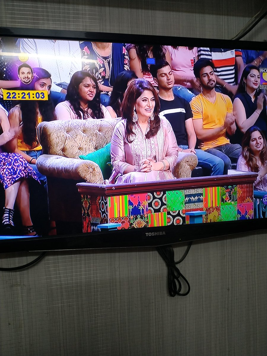 @apshaha, somehow i missed these #tkss episodes, so watched today.. You were looking gorgeous.. And even resembling @itsKajolD ma'am.. Stay blessed.. Stay healthy and more power  to you  keep entertaining.. @KapilSharmaK9  sir you always rock..<br>http://pic.twitter.com/kdsk0e4bZu