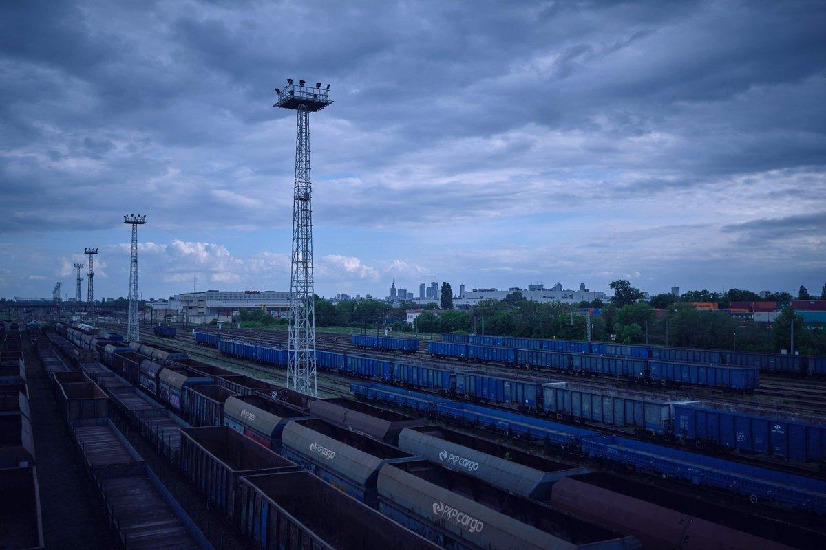 Trasa Toruńska #Poland #mazowieckie #Warszawa #pkpcargo #clouds #citylife #noise #landscapephotography #shotonfujifilm #fujifilm_xseries #captureone #digitalageplpic.twitter.com/zryJ4AeXmR
