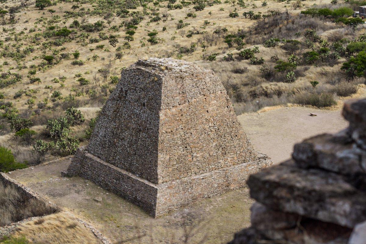 🏜😯 Se dice que esta mítica zona arqueológica de La Quemada pudo ser el legendario Chimostoc, #CuandoTodosEstemosListos regresa en el tiempo y revela los misterios que alberga nuestro pasado prehispánico en #ZacatecasDeslumbrante. ✨ https://t.co/1f4RXgdBgB