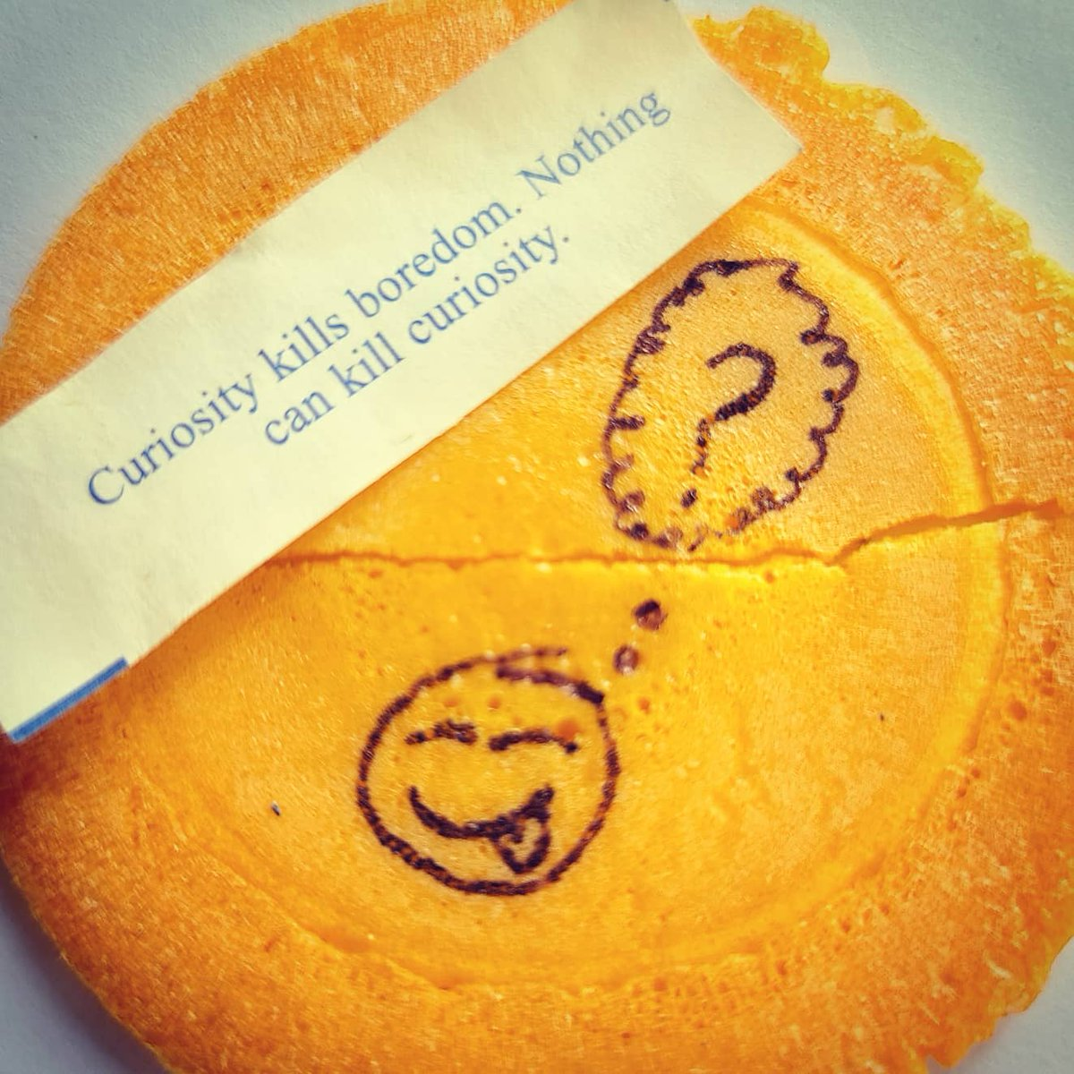 Praise be to the Universe and the Great Fortune Cookie!#fortunecookie #fortunecookieart #cookieart #art #loveart #cannabiscommunity #cannabisculture #cannabis #420friendly #420daily #weedlife #weedculture #altarofthegreatfortunecookie #silliness #curiosity #followcuriositypic.twitter.com/sp0wk43yvj