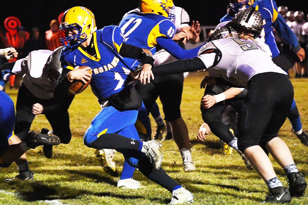 Is it too soon to mention how good @TrojansTC football will be in 2020? If so, sorry about that Cole Siems, @brevindamrow and Co. #nebpreps @MrScheidingTC @3CountyBall<br>http://pic.twitter.com/CZle8idUcM