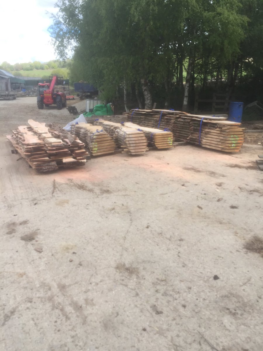 English burr oak and yew all milled up and drying out! Going to be some amazing characterful pieces in this little parcel! #uktimber #ukgrown<br>http://pic.twitter.com/Fr5xw6tnHb