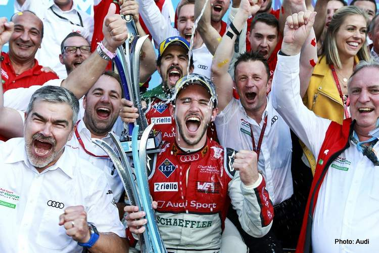 Daniel Abt bust cheating in Formula E virtual race  https://t.co/PbHxOg8bqZ  @stomlinson142 @EsportsTweeter @Daniel_Abt @audisport @FIAFormulaE #ABBFormulaE #BerlinEPrix #EsportsTweeter @MsportXtra #esports #F1Esports #SimRacing Should all cheaters - virtual or real - should... https://t.co/WHm4lCZzLP