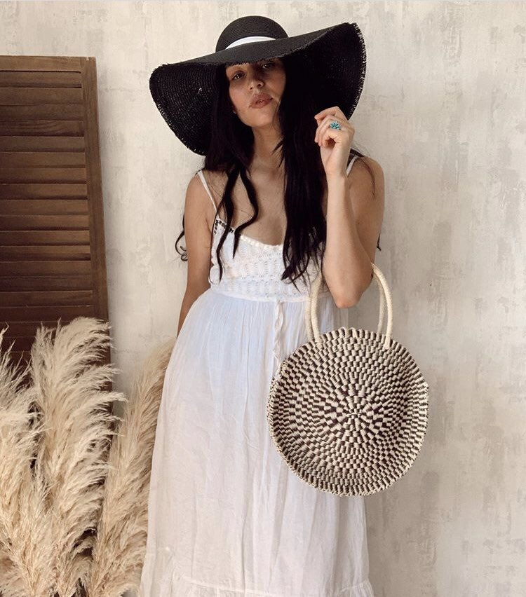 Happy Bank Holiday  Anyone else dressed up and no where to go?   SHOP NOW - https://betsyandfloss.com/collections/round-basket-bag/products/antibes-circular-basket-bag…  #bankholiday #bankholidayweekend #bloggerstyle #shopsmall #sustainableliving #sustainablefashion #sustainability #basketbag #handbag #sunday #sundaystyle #roundbagpic.twitter.com/UdAmJgCFnZ