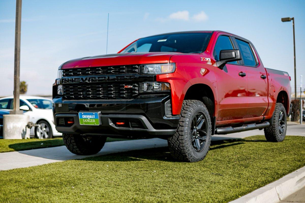Sir, you can't park there.  #Chevrolet #sanger #Truckpic.twitter.com/rBZczT8cE1