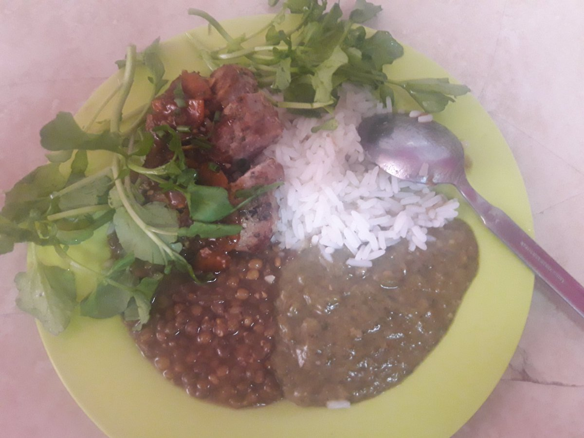 #SundayLunch by moi Pan fried pork dressed with a red wine sauce along with parboiled rice w/ lentil peas and calaloo <br>http://pic.twitter.com/FpMw68dgsQ