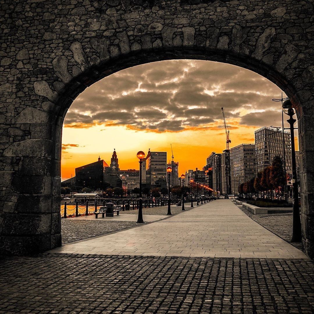 Beautiful #Liverpool at sunset     Elliot McDermott pic.twitter.com/2flR4gQuH6
