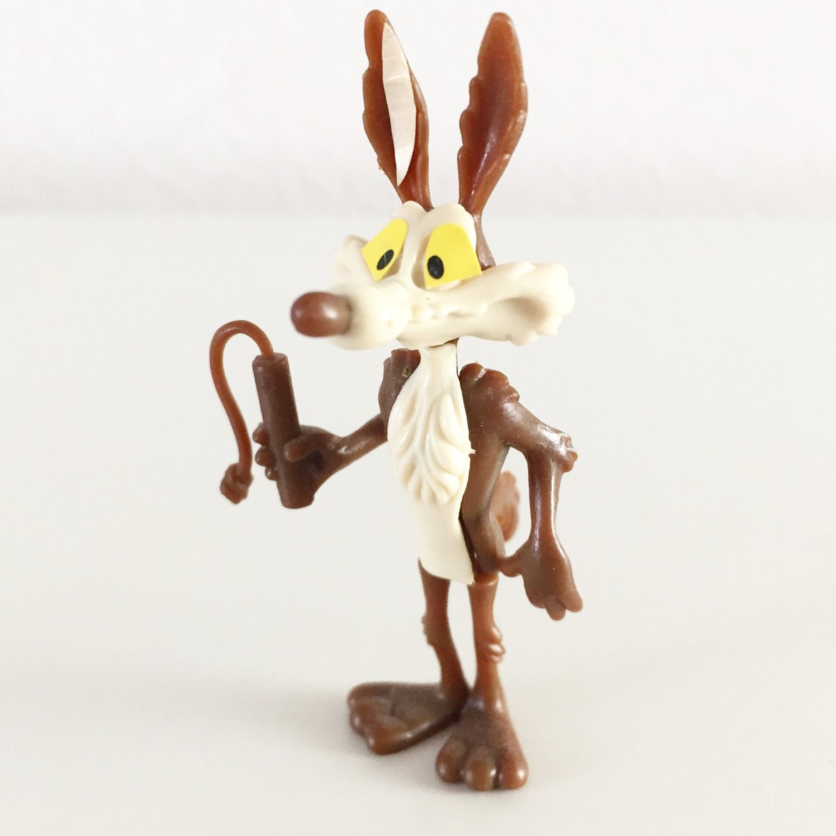 We all know how this ends, don't we...? #SurpriseEggSunday #kindersurprise #surpriseegg #90s #surpriseeggs #kinderegg #90stoys #kindereggs #kindersurpriseegg #toysfromtheattic #figurine #figurines #toys #wilecoyote #roadrunner #warnerbros #looneytunes #looneytoons #toyphotography https://t.co/pOWF84o0Hj