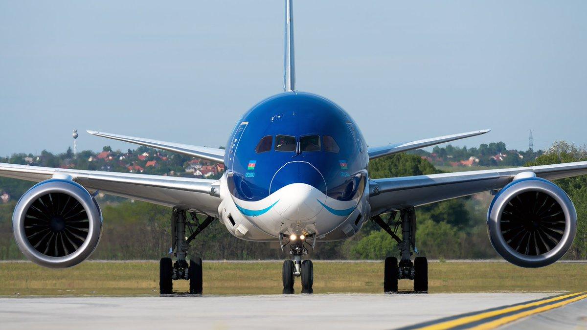 #azalazerbaijanairlines #boeing #b787 #dreamliner #VPBBS arrival to @budairport with medical supplies from Baku. #aviation #aviator #aviationpics #aircraftgallery #aviationdaily #planes #aircraft #avgeekpic.twitter.com/qUbfUTLocA