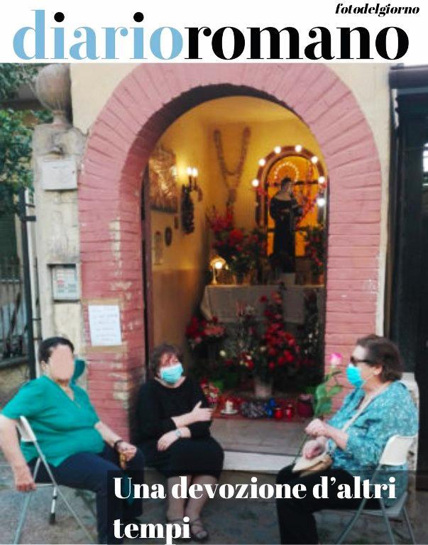 test Twitter Media - Via Prospero Santa Croce: una devozione d'altri tempi. Un'altra #Roma. (foto di F.G.) ▪️▪️▪️▪️ #foto #lettori #fase2 📸 https://t.co/sbFU10GVCu