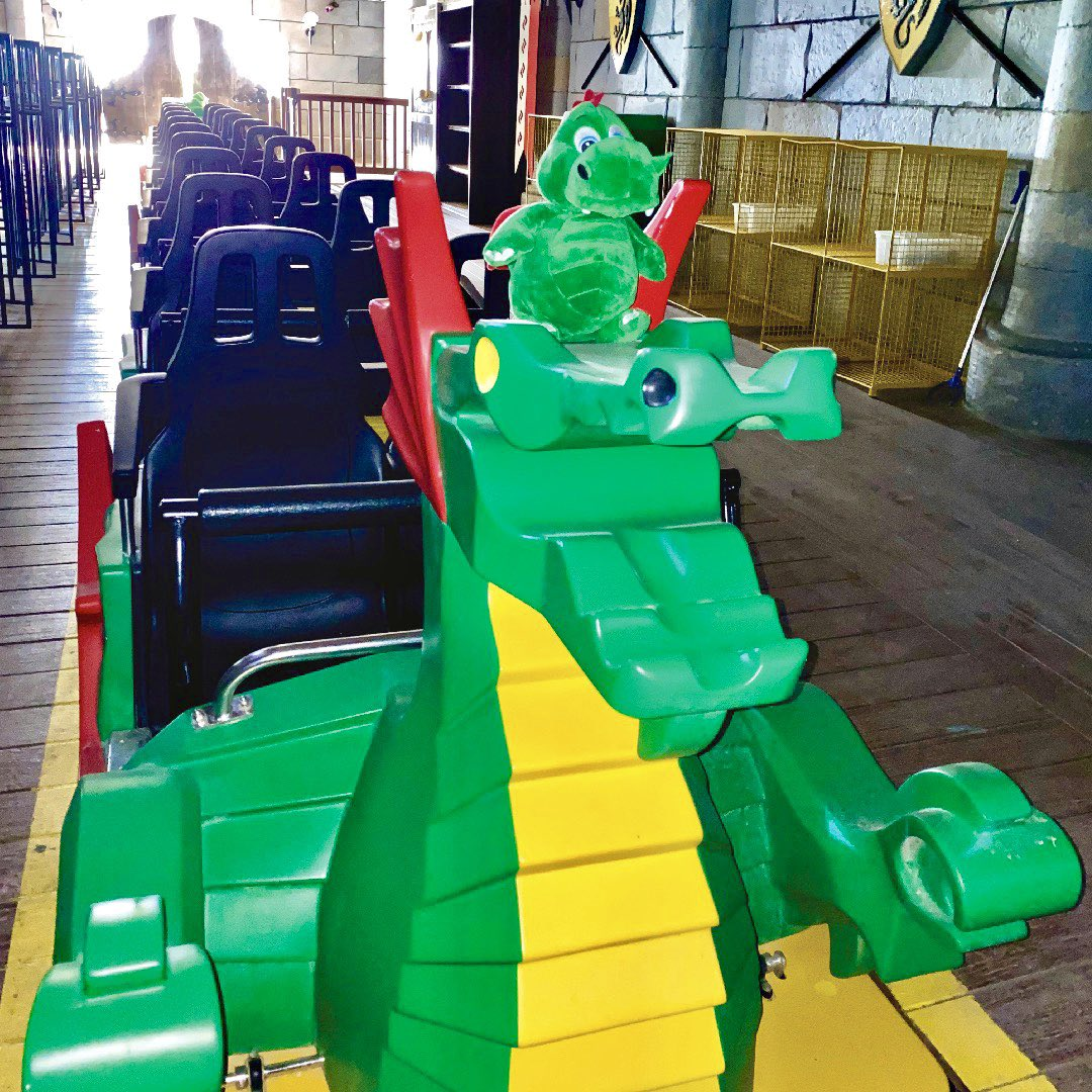 Hello boys & girls! Ollie the dragon here!  Today I'm trying out The Dragon roller coaster which is right here in the castle! It's sooooooo much fun, goes super fast and has AWESOME twists and turns! Have you been on it yet? - Ollie 🐉 #OllieExplores https://t.co/Jj1wFeAeZM