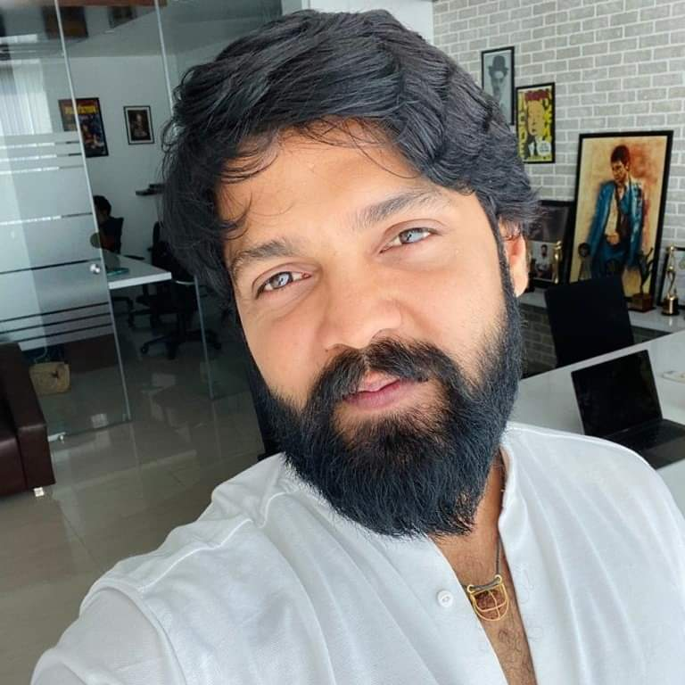 Sudeep was the 1st new gen Kannada star to be impressive with #Eega ! #Yash took the industry to a new level with #KGF ! But @rakshitshetty delivers consistent quality films & is talented in multiple ways. #HappyBirthdayRakshithShetty & all the best to ur pan indian journey 👏 https://t.co/fPuUKJAcfR