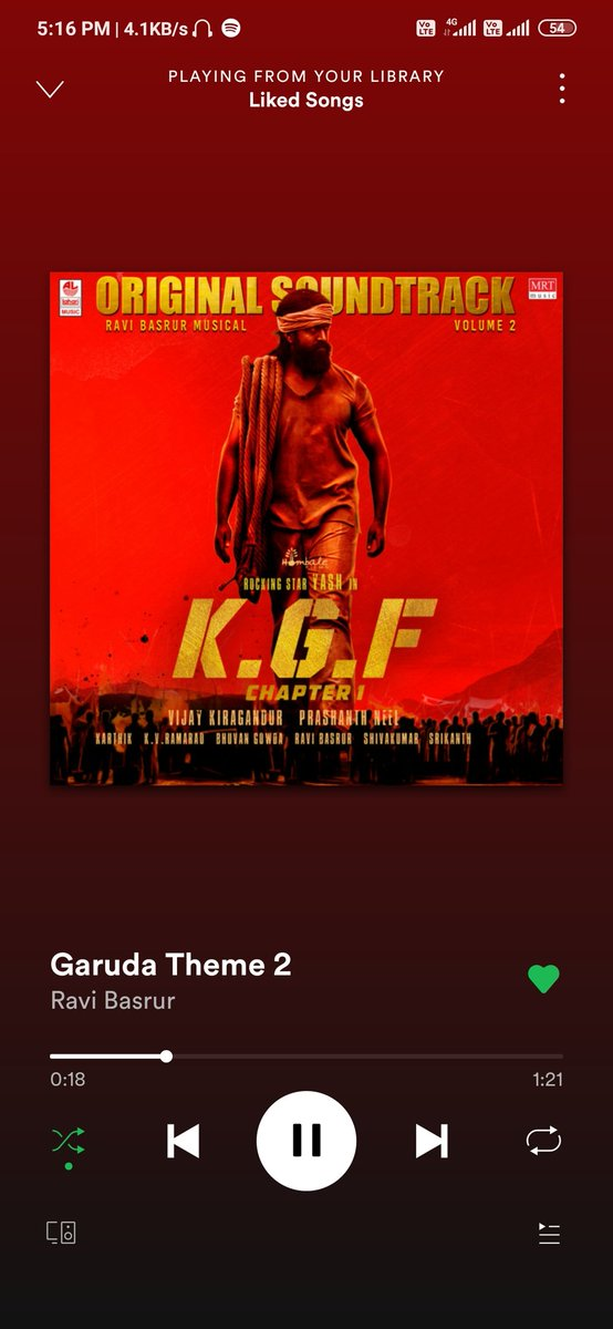 Haunting villain theme ever 🔥🔥🔥#KGF #Ravibasrur #Yash https://t.co/SgaqatGUys