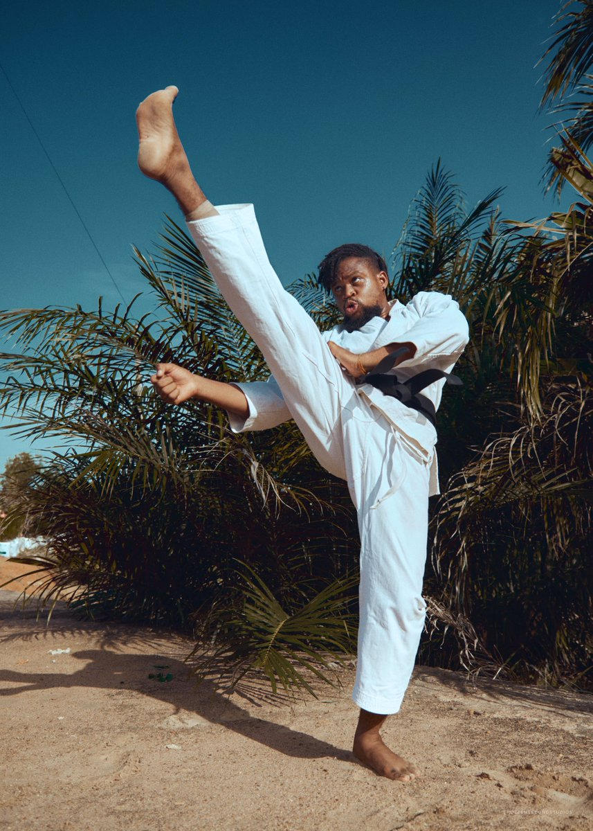 """""""However beautiful the strategy, you should occasionally look at the results"""" ... I am Ghanaian and I practice shotokan karate I will be glad to teach u  Help with a retweetpic.twitter.com/G7aS2rbQFV"""