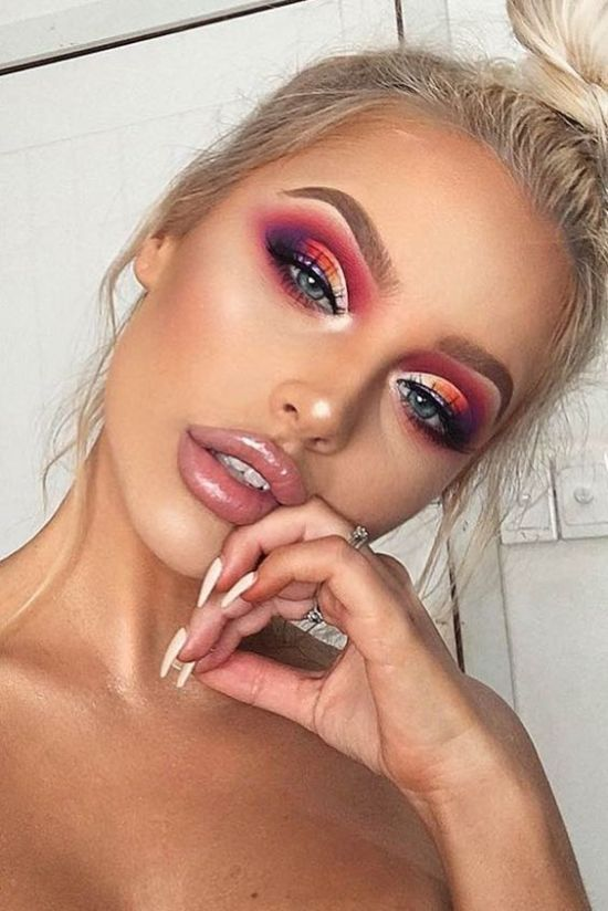 18 Coachella Approved Makeup Looks - Society19  https://glavportal.net/18-coachella-approved-makeup-looks-society19-7/…pic.twitter.com/uXI5fzpH3s