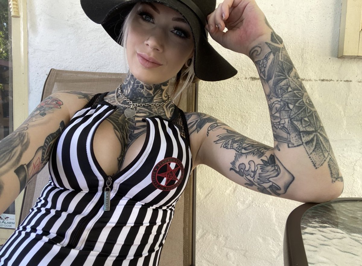 Miss me? #jessicapain #xxx #nude #bigtits #inked #inkedbabe #sullen #blackcraftcult pic.twitter.com/cvP4pYRNMi