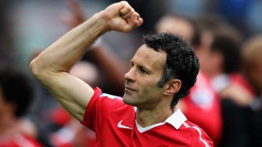 Ryan Giggs wins Bilbao 'One-Club Man' prize 🏆 https://t.co/a6wTDKlRas https://t.co/pC1sYG0F6n