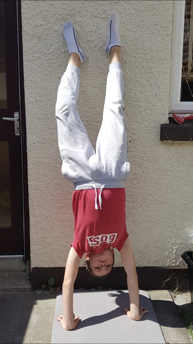 Juliusz has been working on his handstand and Holly T is off on her 3.5 mile cycle. Great to see them working on their fitness/skills. pic.twitter.com/1NzZuLXGJf