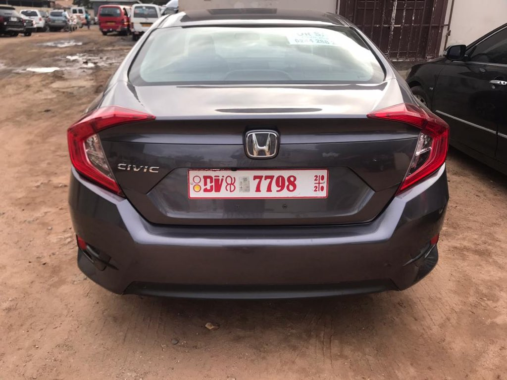 Honda Civic 2016 model 1.5L turbo Push to start Sunroof Reverse camera -Very fuel efficient -Ice cold aircon -Cheaper than market price 82,000cedis -Grab it now!!! 0209058574 #ghana #cheap #cars #forsale #honda #ghcarculture #likecars #gearheads #carshow #carlife #speed #ghanacarpic.twitter.com/WsUl7KHgkF