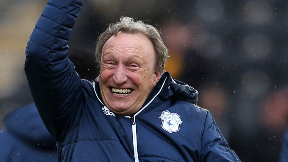 Neil Warnock but as you scroll down he's gets angrier.  (THREAD) https://t.co/l5CHYfJyUm