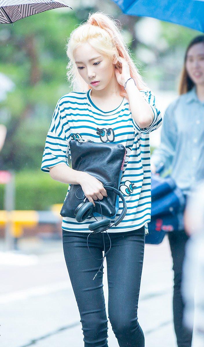Kim Taeyeon 😍😍 #TAEYEON #태연 #Taengoo @GirlsGeneration #GG4EVA #SNSD #Kpop #Sone #Idol #Korea #Anime #girl #Beautiful  #hair #Elegant https://t.co/bt3fkvoeez