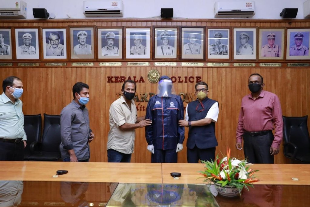 @ViswaSanthiFndn delivered reusable COVID Kit to Kerala Police. We are trying to support them as much as we can. Major Ravi, on behalf of the Viswasanthi Foundation, delivered the Kits to Shri. Lokanath Behera IPS, DGP, Kerala. #COVID19 #keralapolice