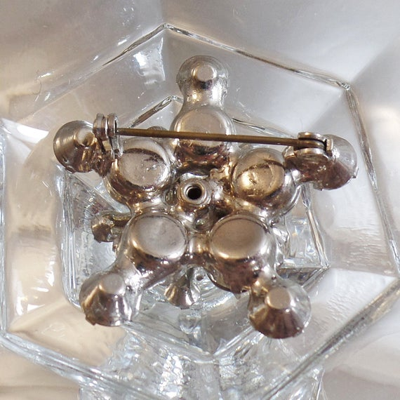 Juliana Star Brooch.  D&E Clear Rhinestone Star Brooch.  3D Clear Rhinestone Juliana Pin. waalaa. #vintage #antique #shopping #jewelry #jewellery #gifts #wedding #etsypic.twitter.com/QX7ZXfyMU7