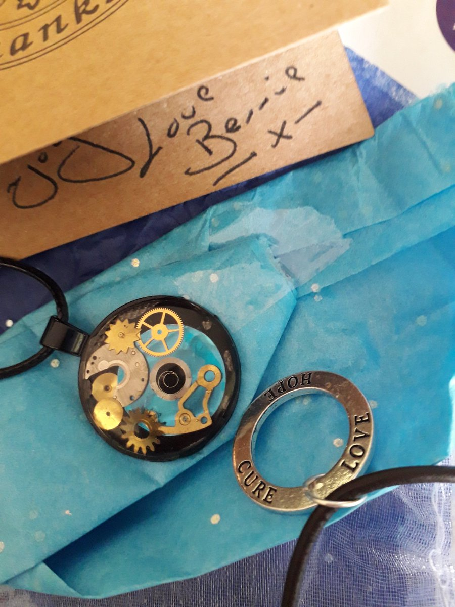 My day was really cheered today by an exquisite delivery from my lovely friend Bernie Webbe at  https://www.etsy.com/uk/shop/urban8create…. I just love what she does with broken watches and her other beautiful hand crafted jewellery. Thank you so much, Bernie! Xx pic.twitter.com/oyS7TuV4Ex