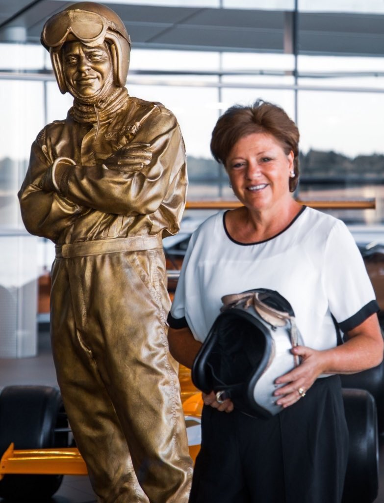 Great newsletter from @PaulOz today, the Bruce McLaren edition! Amazing to read everything that went into the planning of this amazing commemorative bronze statue in Bruce's honour. Felt choked up reading it & seeing the images at different stages. Fantastic job, Paul 👏🏻 #Bruce50 https://t.co/Va2zMa2l5x