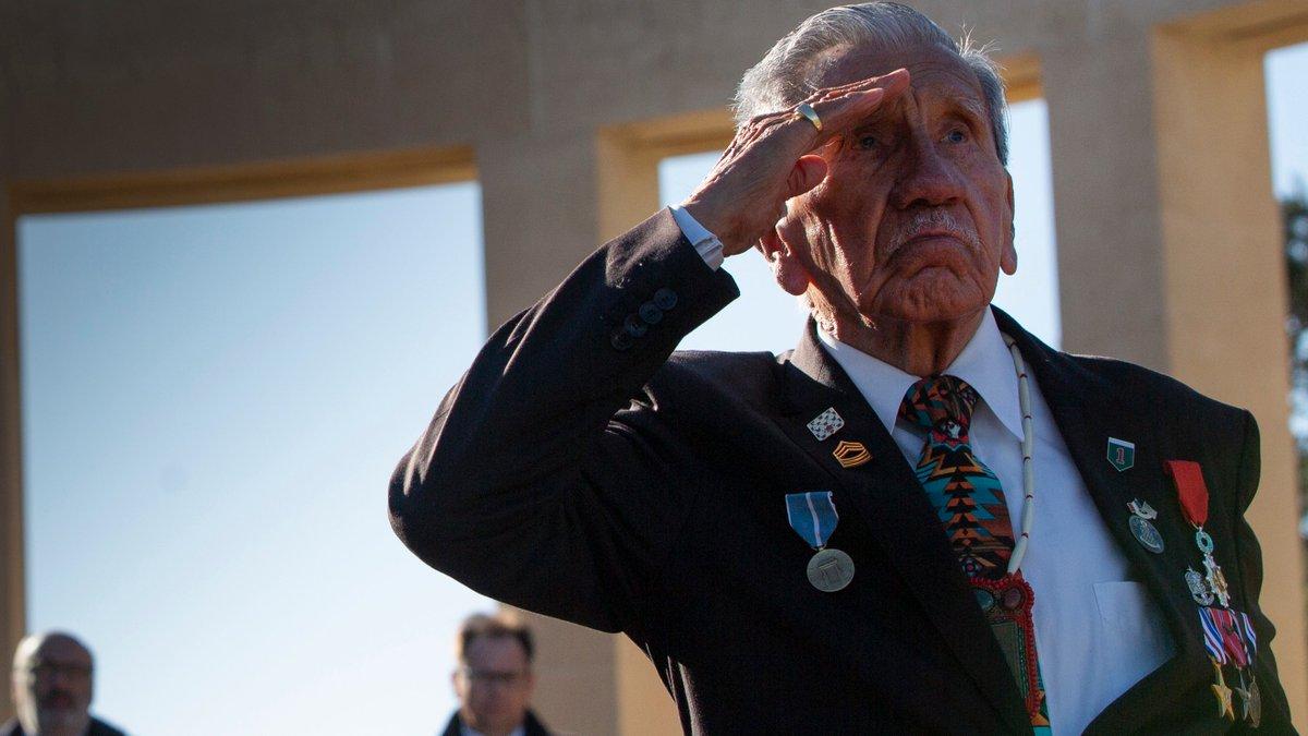 Families send tributes to honour D-Day heroes as coronavirus lockdown limits commemorations itv.com/news/2020-06-0…