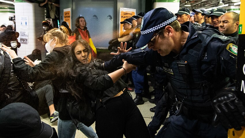 The fact that unmaksed @nswpolice officers corralled and pepper-sprayed peaceful protesters in a poorly-ventilated, claustrophobic space at Central Station today means that either:  1. They lied about why they tried to block the protests  or 2. They tried to kill these people https://t.co/qXKelBC74H