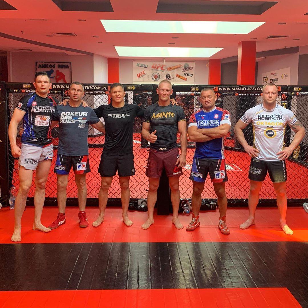 Last sparring before upcoming fight. Thanks to Ankos MMA Poznań.  Ostatnie sparingi przed UFC w Vegas. Dziękuję ekipie Ankosu za mocne treningi. https://t.co/7NGZH7JwHS