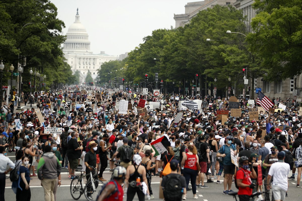 Protesters pack Washington DC for city's largest demonstration yet itv.com/news/2020-06-0…