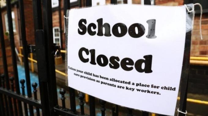 More schools shelve reopening plans amid concerns over virus spread in North West itv.com/news/granada/2…