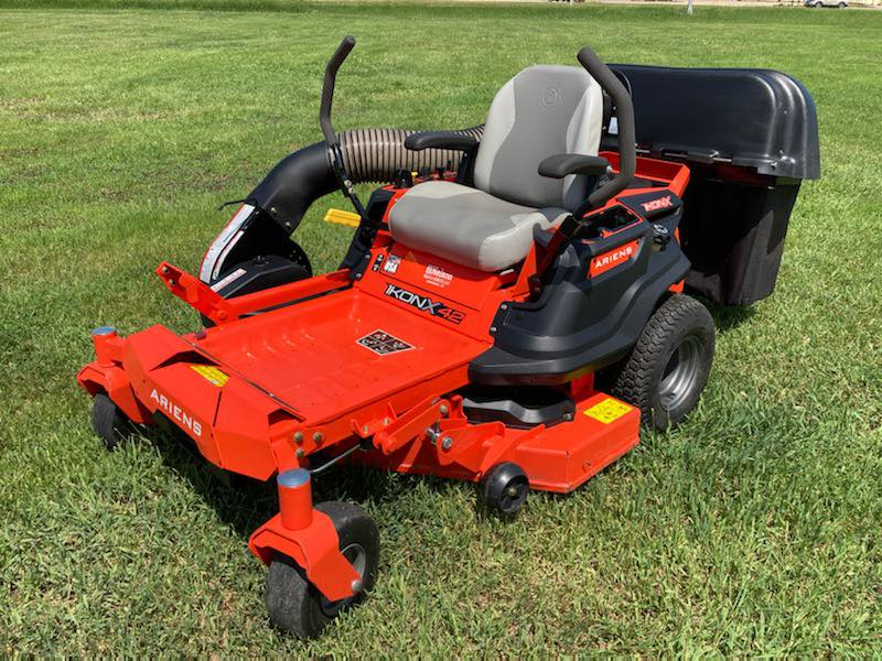FATHERS DAY GIVEAWAY. Every dad needs a great mower...Register to win this lawnmower to be given away the last week of June. Can be seen at the dealership. LIKE & RETWEET this post and you'll be entered into the contest. Thanks to all the great dads out there! #FathersDay https://t.co/DM3BWPFO1z