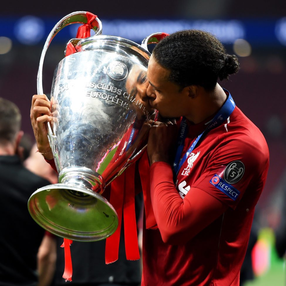 Virgil Van Dijk since joining Liverpool: • Champions League Winner • Super Cup Winner • Club World Cup Winner • PFA POTY • Premier League Player of the Season • UEFA Defender of the Season • UEFA Men's POTY • Ballon D'or 2nd place Put some respect on his name. 🇳🇱