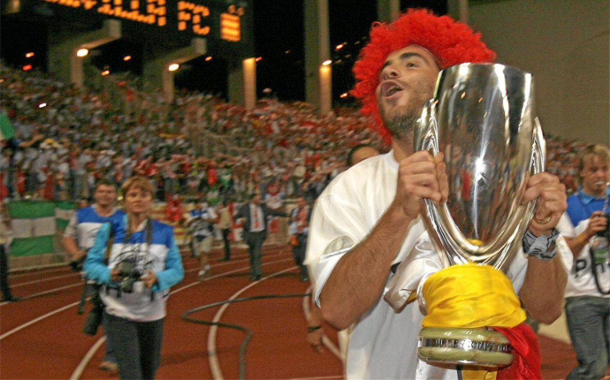 @JoseluiRBB @LaLiga @RealBetis @SevillaFC 🇧🇷 Assunçao España 136 p 23 g 2 a Italia 55 p 9 g 9 a UEFA 15 p 1 g 0 a Champions 16 p 0 g 1 a Copa del Rey 3 p 0 g 0 a 🇮🇹 Maresca España 135 p 17 g 10 a Italia 167 p 21 g 4 a UEFA 27 p 7 g 3 a Champions 26 p 2 g 4 a Copa del Rey 9 p 1 g 0 a Supercopa Europa 1 p 1 g 0 a