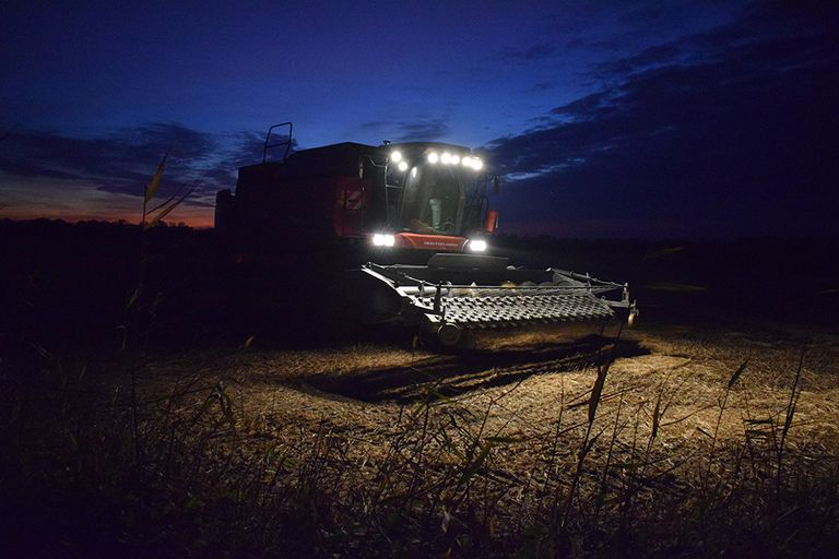 #Russia: Moscow-based #startup is sending agricultural machinery into the #AI age: https://t.co/h0anZzzGUI  via @PopMech   #AgTech #Agribusiness #Autonomous #Agriculture https://t.co/AIzyoivxQh