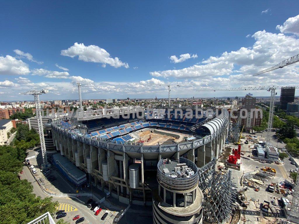 😮 Travaux en cours…  🙈🚧 #Bernabéu https://t.co/eTEJWLXnBh