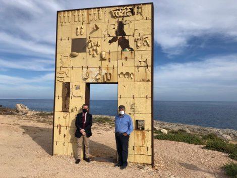 """Visita a Lampedusa del ministro Provenzano """"Stato non si lascia intimidire"""" - https://t.co/nZCS8ijhUM #blogsicilianotizie"""