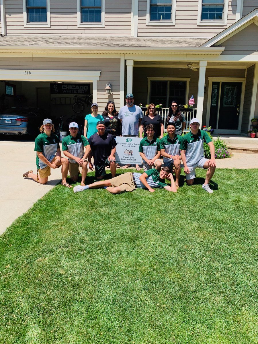 Wonderful surprise today as our senior players and parents delivered a yard sign for me. Thank u very much. A spring season none of us will forget but we've come out of it stronger than before.  Special group and truly blessed #culture pic.twitter.com/0NkOV1NbVT