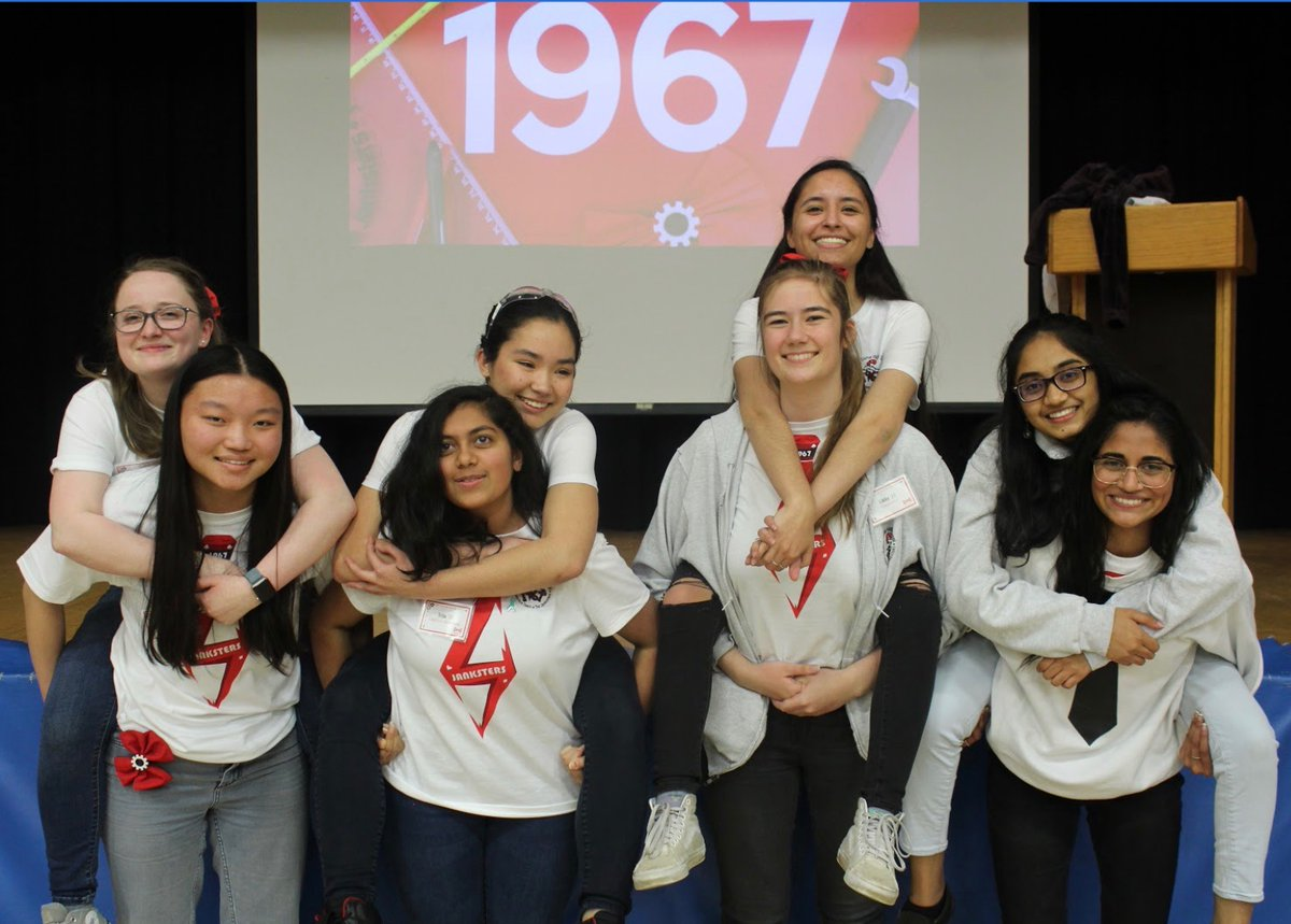 Congratulations to our graduating seniors! We are so proud of you and we hope the future paves a bright road for you as you go off to college! ❤️🖤 #omgrobots  #engineering #stem #first #firstinspires #girlsinstem #bowsnbots #NDLove #GoGriffins #ClassOf2020 https://t.co/6dvxuoemkD