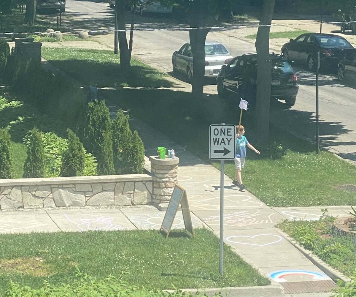 My neighbor's kid lone BLM protest. https://t.co/Nc9Le6jZ9H