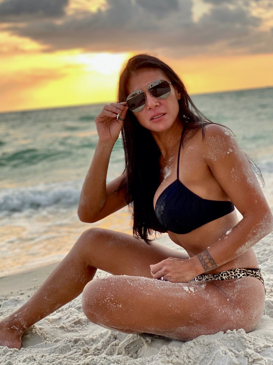 In all the chaos I am blessed to have a place like this nearby to find a peaceful retreat.  I hope you have a spot you can flee to and find some tranquality too.  #beach #bikini #beachbody #fitmom #fit #fitgrandma #peace #retreatpic.twitter.com/lJS0RJNUF8